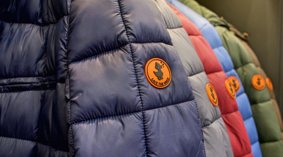 Gama de colores de abrigos Save The Duck en nuestra tienda.