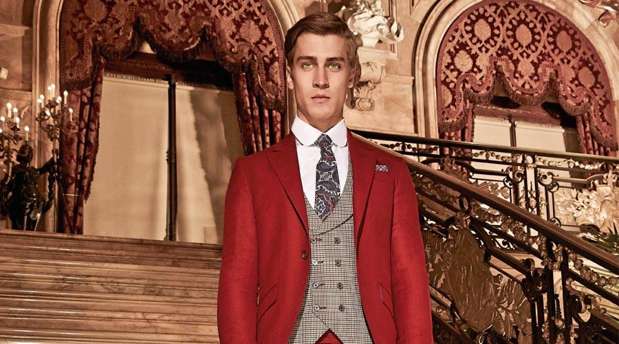 Traje rojo con chaleco a cuadros, de Guglielmo G.