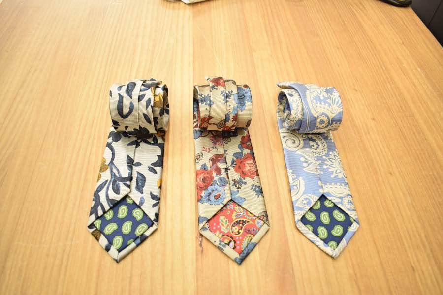 Forros de corbatas Lebrel.
