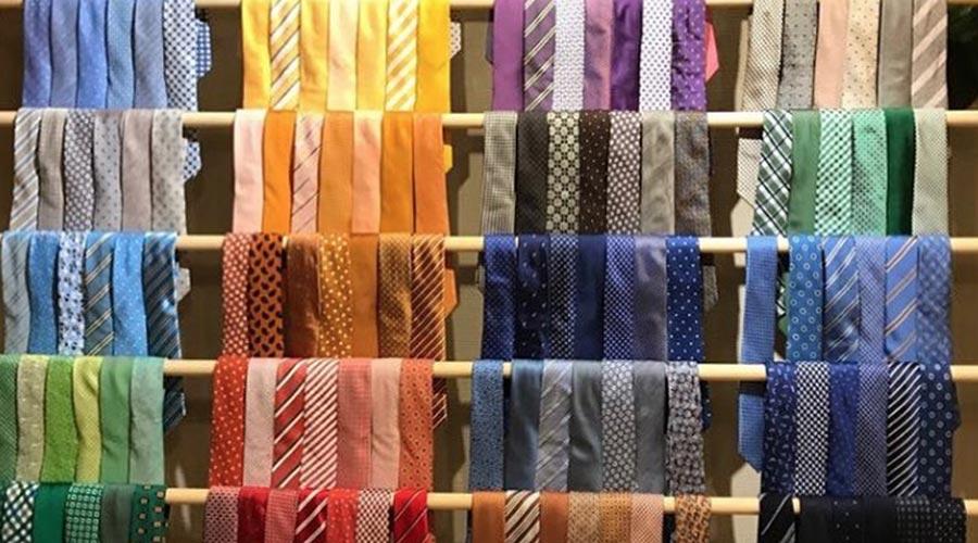 Complementos para hombre: corbatas. Antonio Guirado.